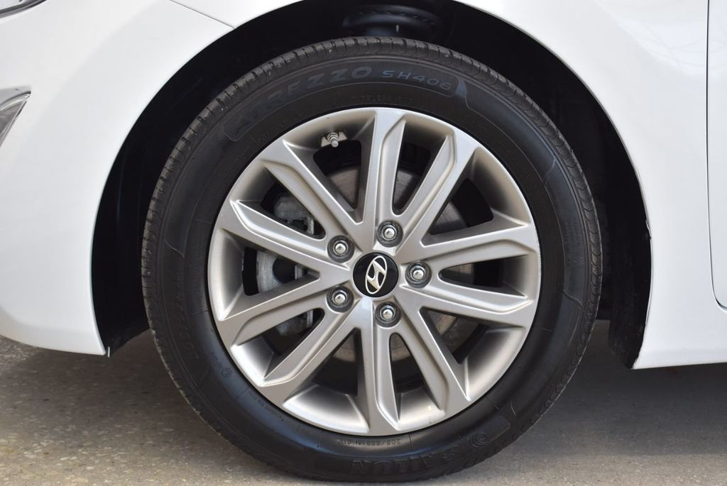 2016 Hyundai Elantra  - 18551302 - 9