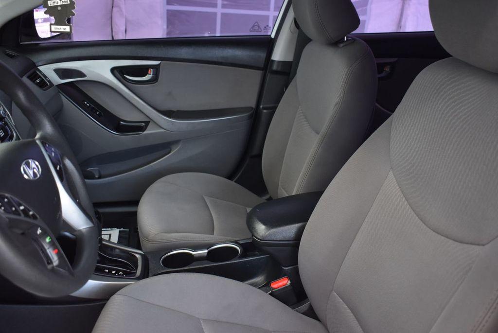 2016 Hyundai Elantra  - 18551302 - 12