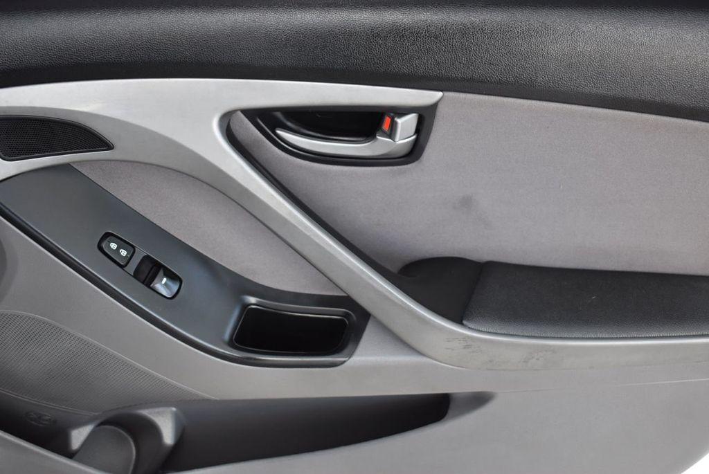 2016 Hyundai Elantra  - 18551302 - 17