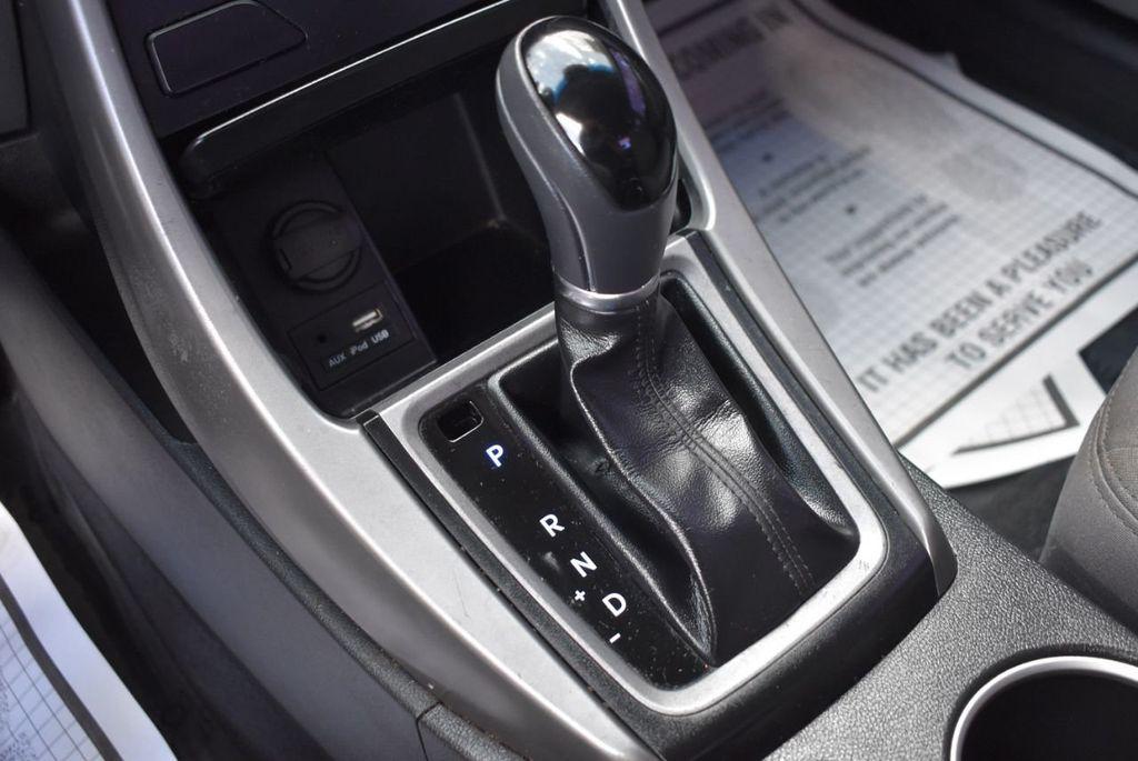 2016 Hyundai Elantra  - 18551302 - 23