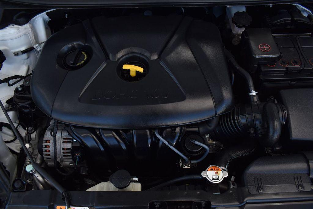 2016 Hyundai Elantra  - 18551302 - 24