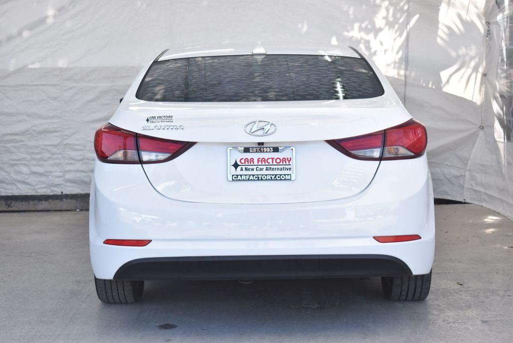 2016 Hyundai Elantra  - 18551302 - 5