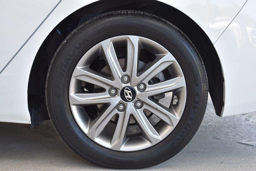 2016 Hyundai Elantra  - 18551302 - 8