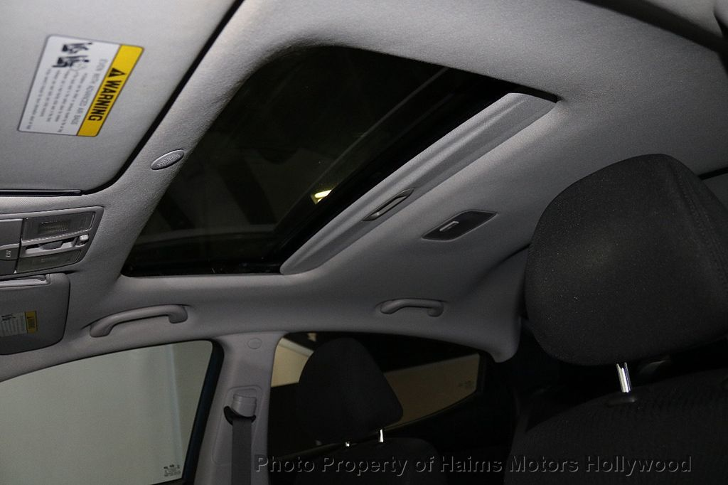 2016 Hyundai Elantra 4dr Sedan Automatic Value Edition - 18534901 - 17