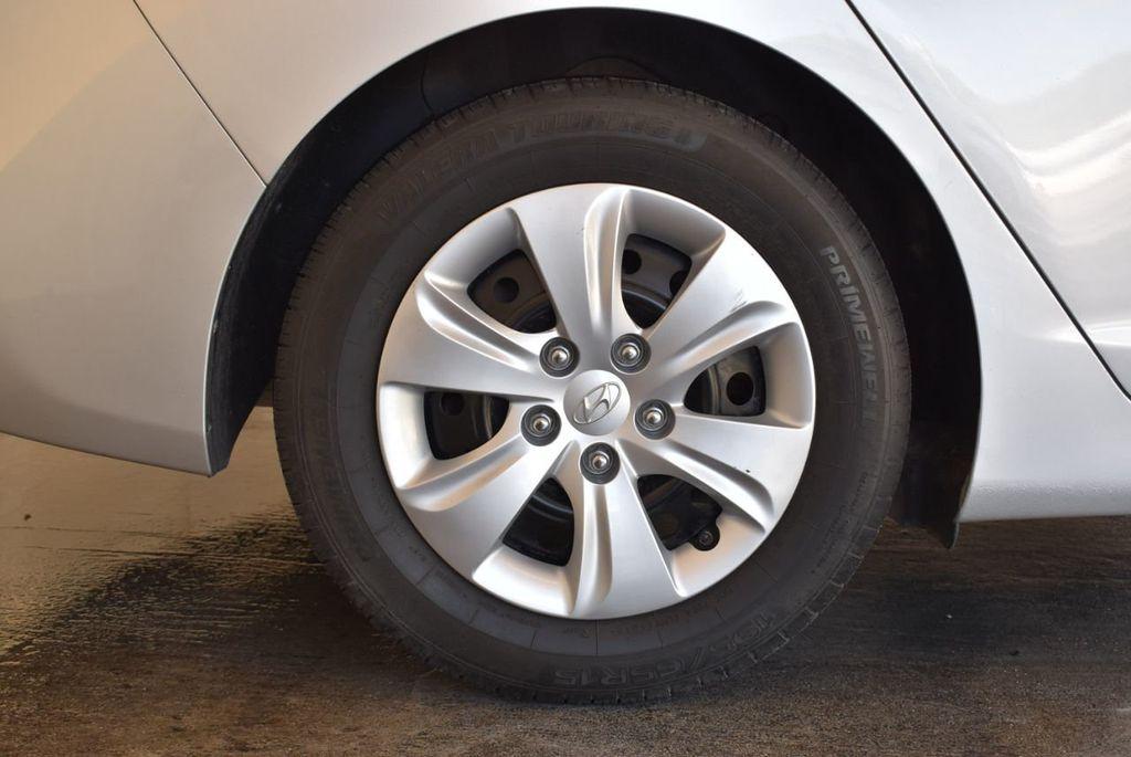 2016 Hyundai Elantra SE - 18161904 - 9