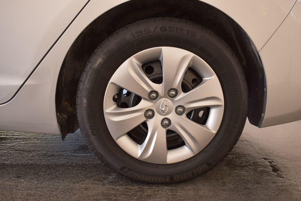 2016 Hyundai Elantra SE - 18161904 - 10