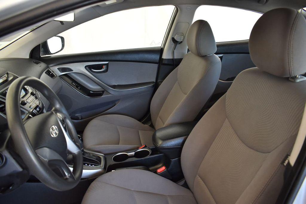 2016 Hyundai Elantra SE - 18161904 - 14