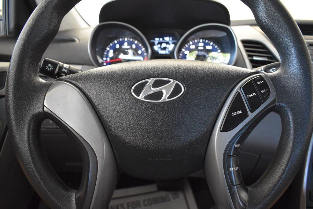 2016 Hyundai Elantra SE - 18161904 - 17