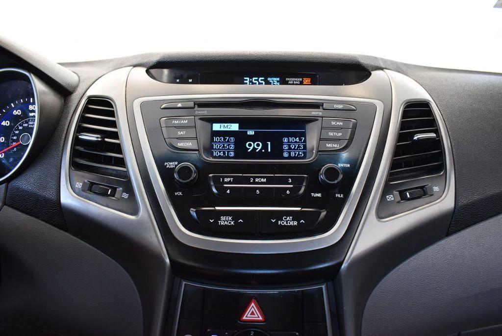 2016 Hyundai Elantra SE - 18161904 - 19