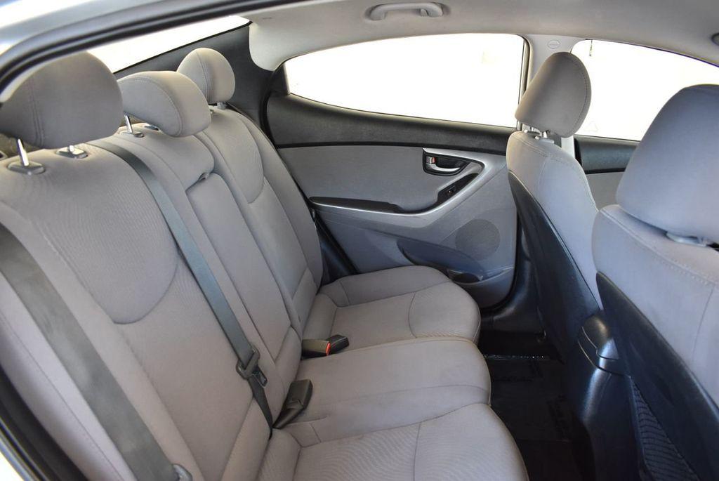 2016 Hyundai Elantra SE - 18161904 - 22