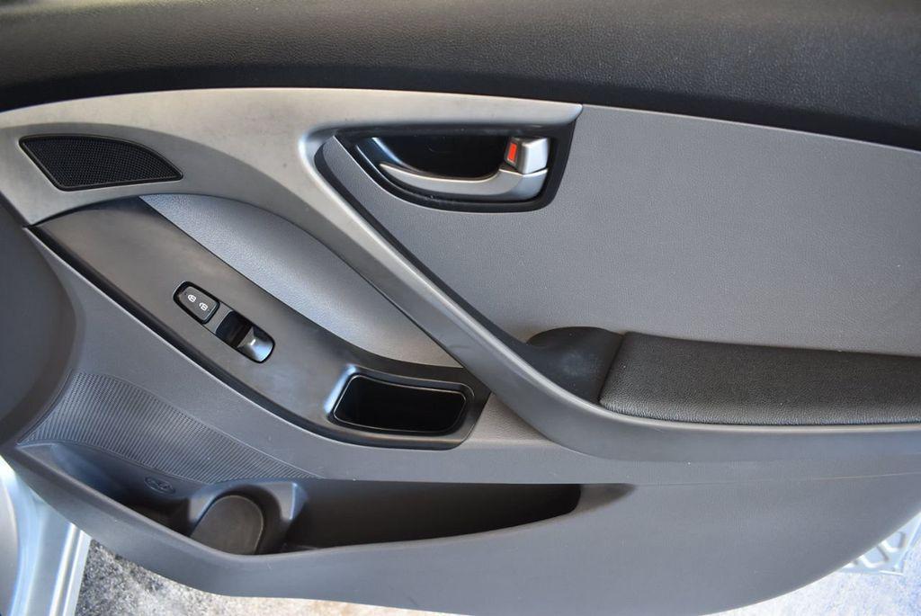2016 Hyundai Elantra SE - 18161904 - 24