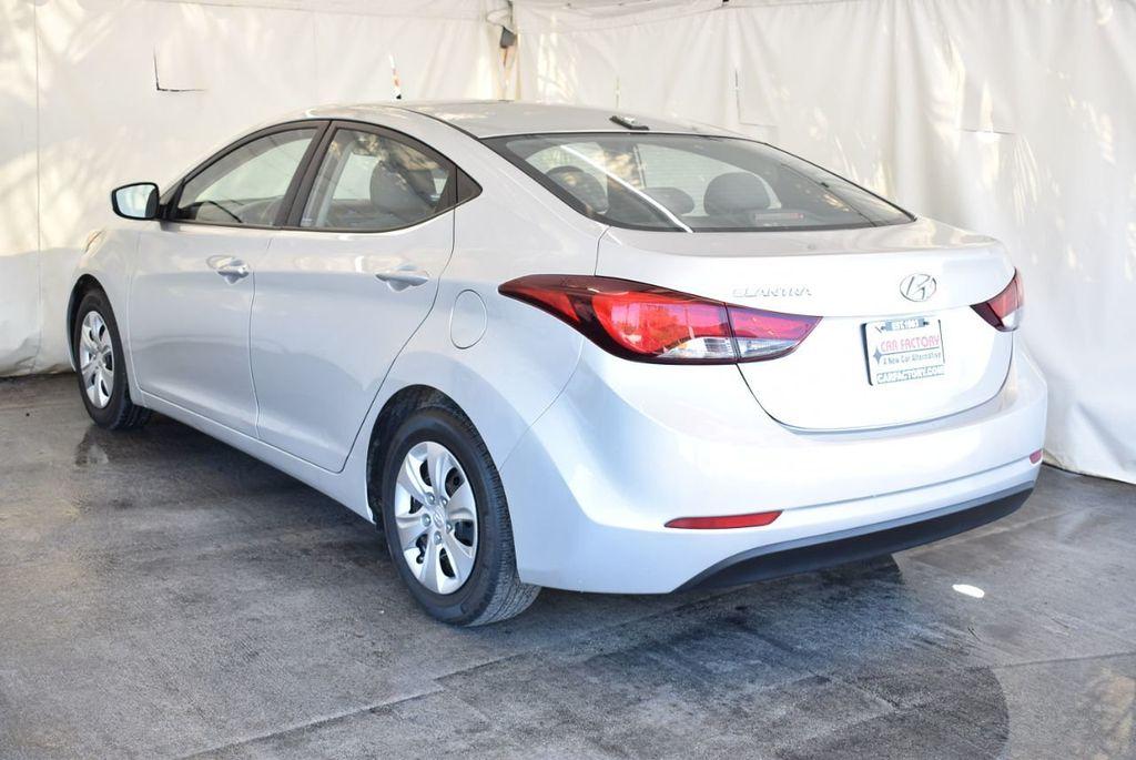 2016 Hyundai Elantra SE - 18161904 - 5