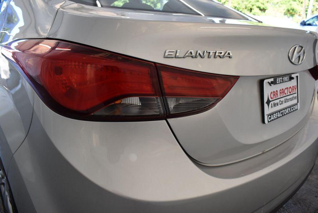 2016 Hyundai Elantra SE - 18161904 - 6
