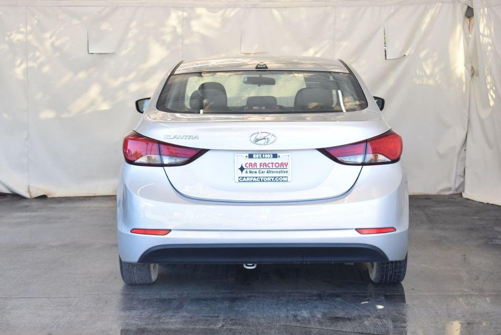 2016 Hyundai Elantra SE - 18161904 - 7