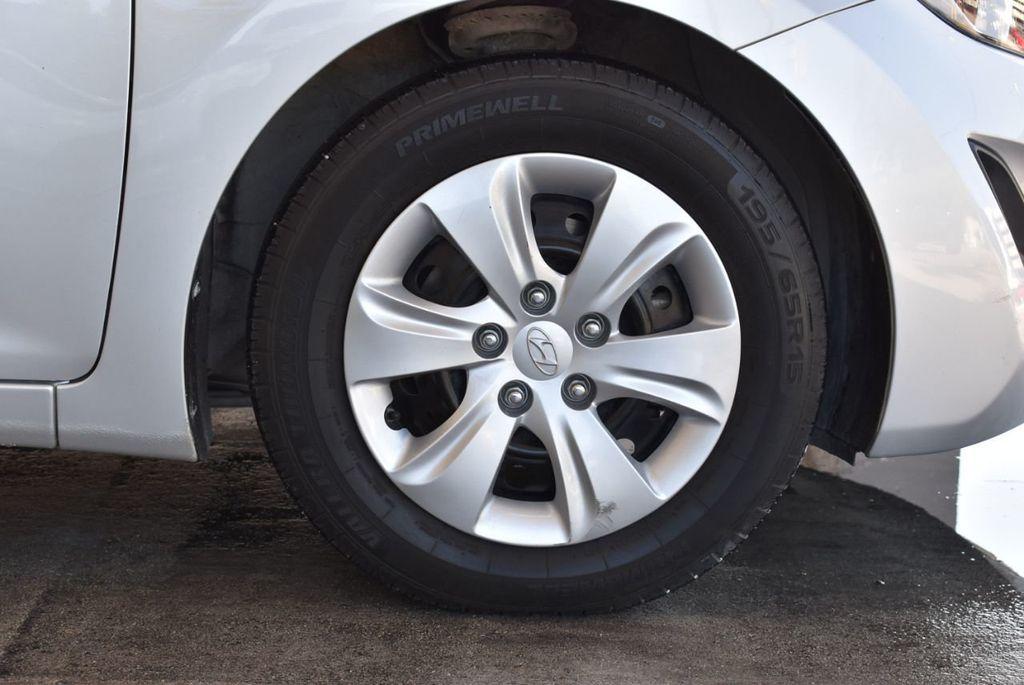 2016 Hyundai Elantra SE - 18161904 - 8
