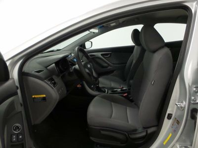 2016 Hyundai Elantra SE - Click to see full-size photo viewer