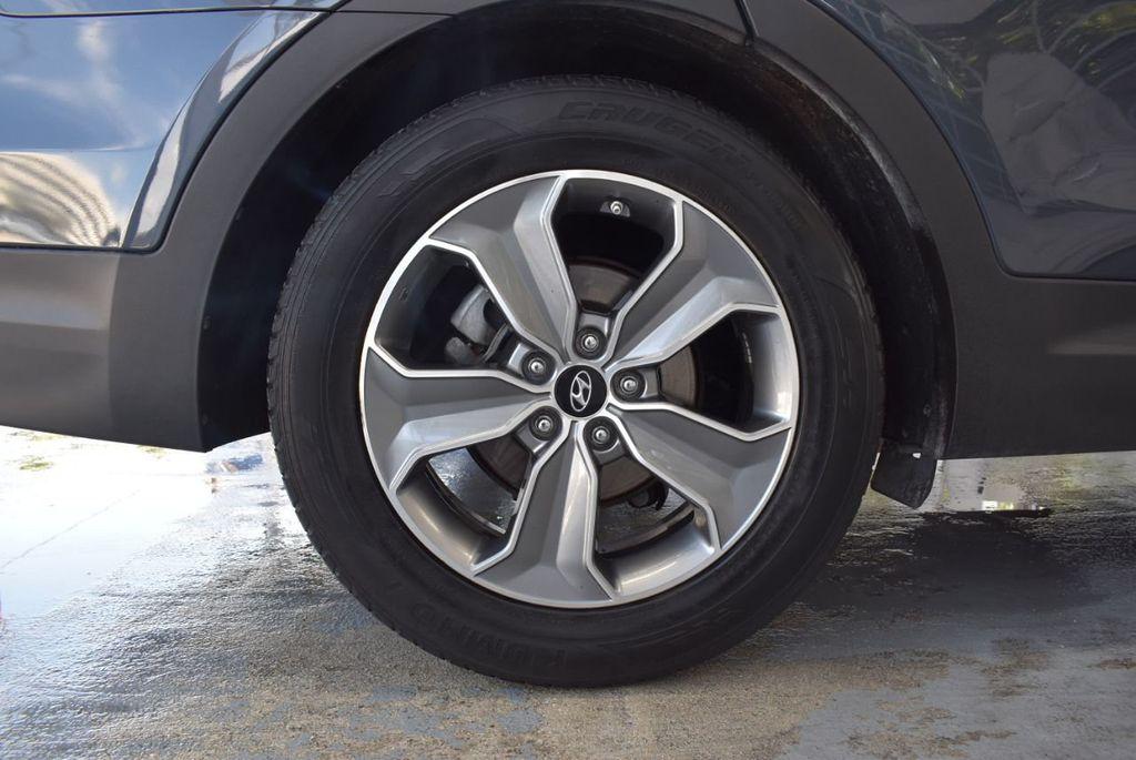 2016 Hyundai Santa Fe FWD 4dr SE - 18365124 - 11