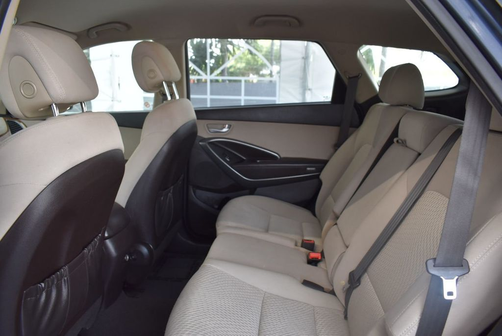 2016 Hyundai Santa Fe FWD 4dr SE - 18365124 - 12