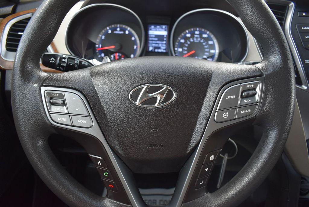 2016 Hyundai Santa Fe FWD 4dr SE - 18365124 - 22