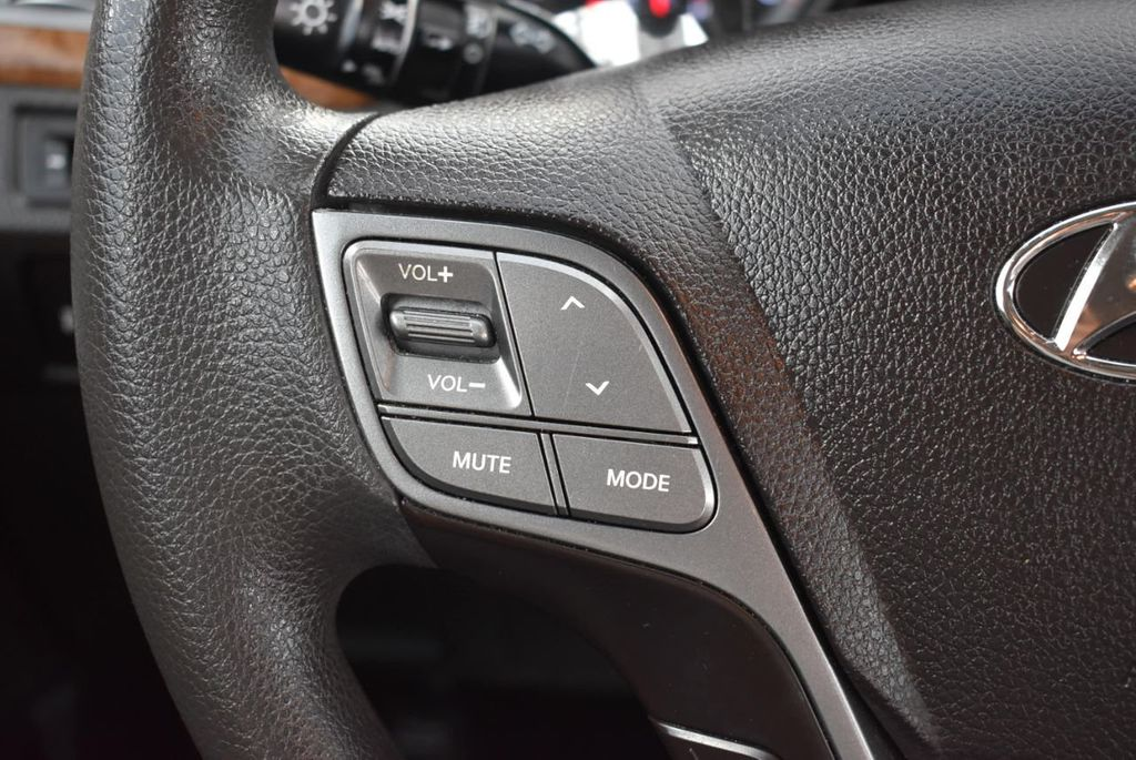 2016 Hyundai Santa Fe FWD 4dr SE - 18365124 - 24