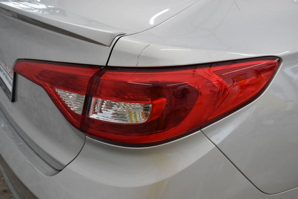 2016 Hyundai Sonata  - 18712709 - 1