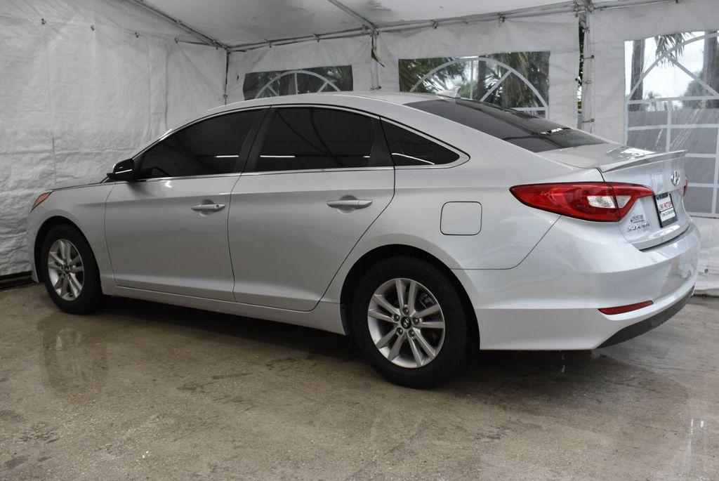 2016 Hyundai Sonata  - 18712709 - 3