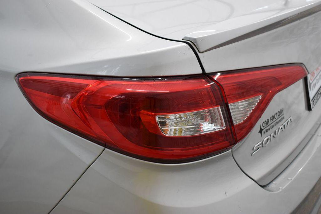 2016 Hyundai Sonata  - 18712709 - 4