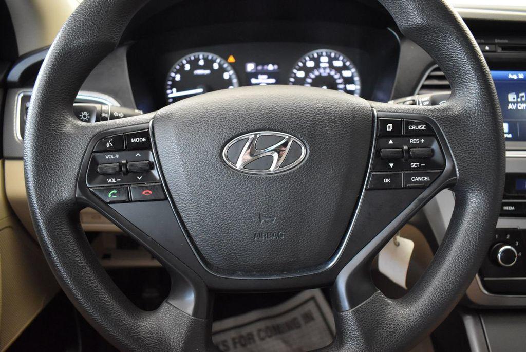 2016 Hyundai Sonata 4dr Sedan 2.4L SE - 18010832 - 17