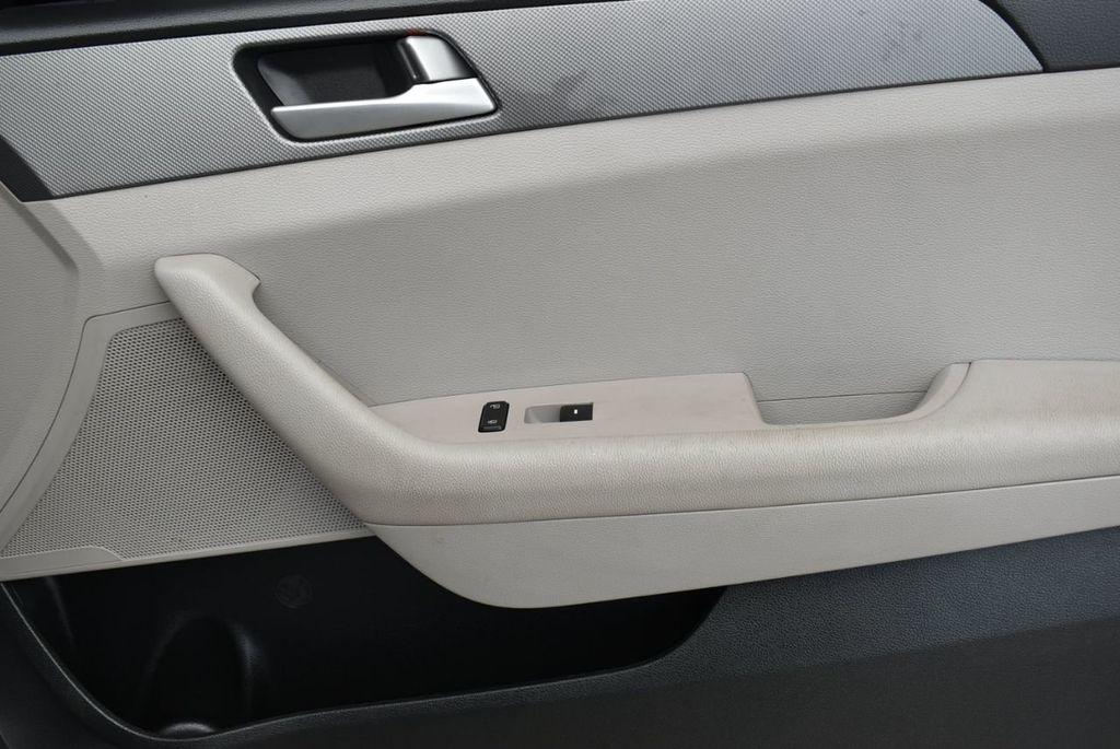 2016 Hyundai Sonata 4dr Sedan 2.4L SE - 18025432 - 17