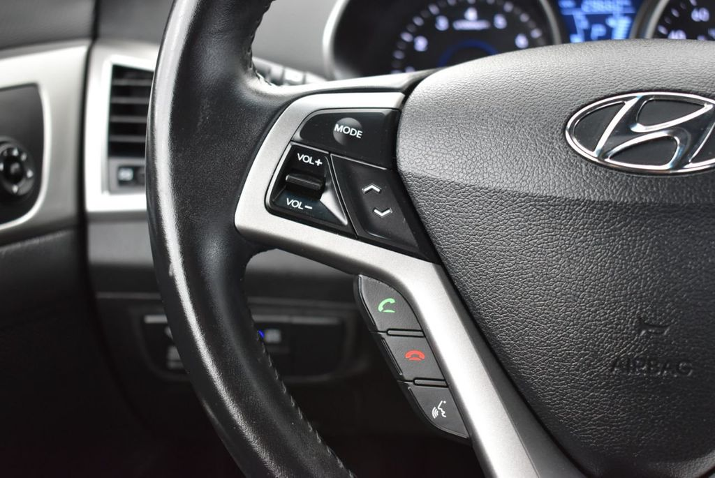 2016 Hyundai Veloster  - 18712676 - 20
