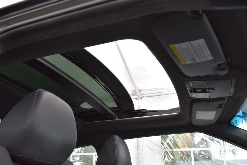 2016 Hyundai Veloster  - 18712676 - 24