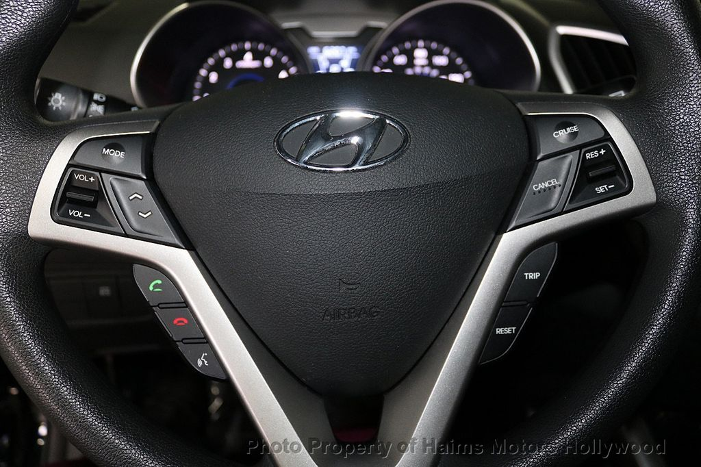 2016 Hyundai Veloster 3dr Coupe Automatic - 18592173 - 22