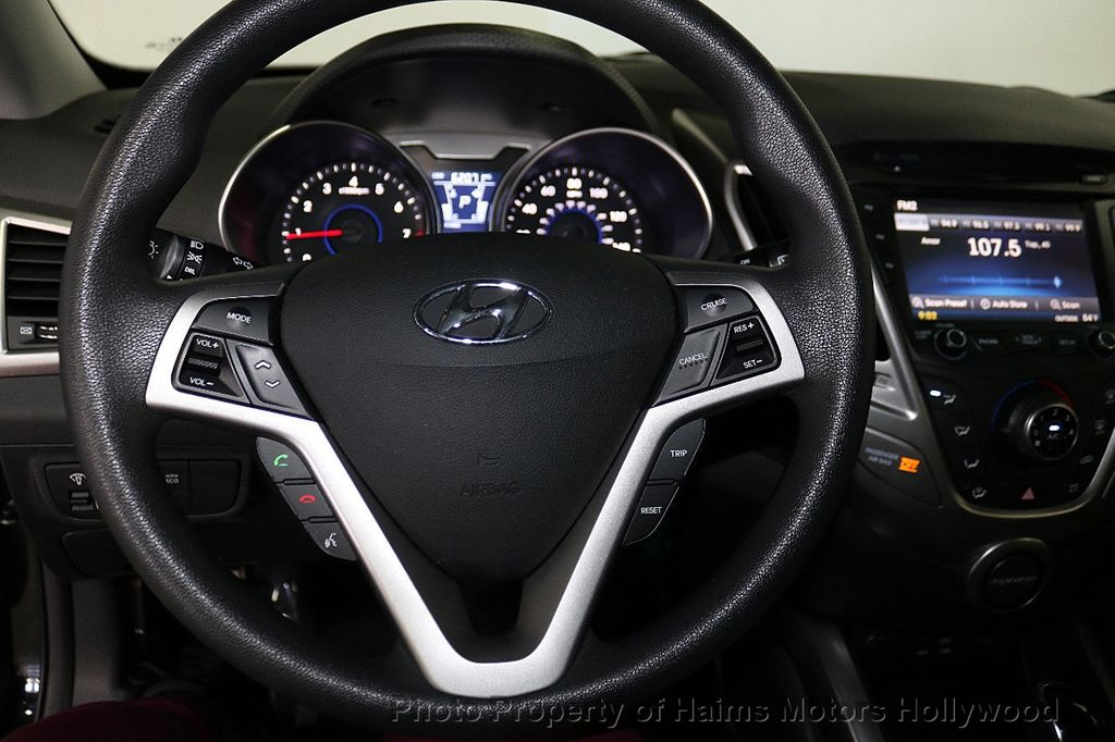 2016 Hyundai Veloster 3dr Coupe Automatic - 18592173 - 23