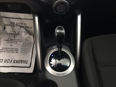 2016 Hyundai Veloster 3DR CPE DUAL CLUT - Click to see full-size photo viewer