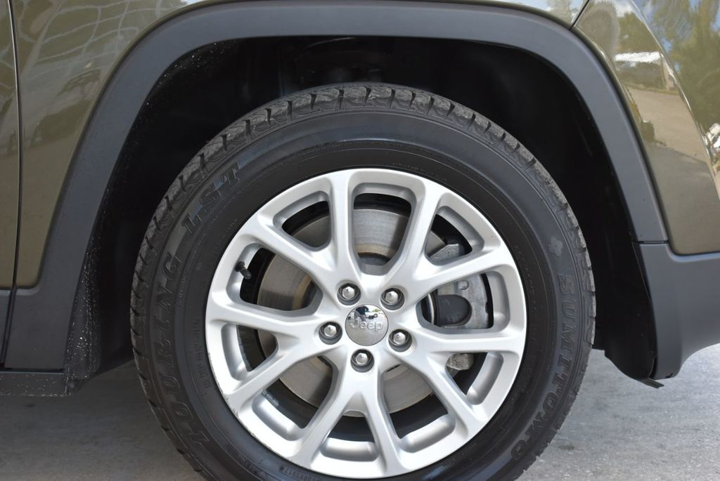 2016 Jeep Cherokee FWD 4dr Altitude - 18637824 - 9