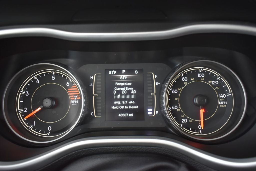 2016 Jeep Cherokee FWD 4dr Altitude - 18637824 - 14