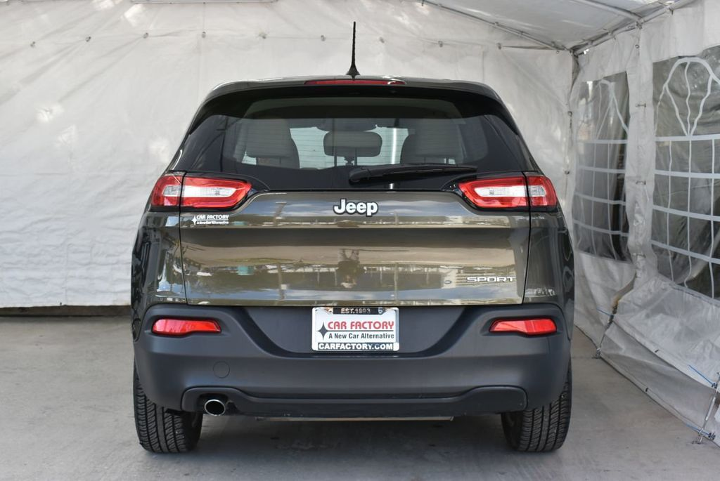 2016 Jeep Cherokee FWD 4dr Altitude - 18637824 - 5
