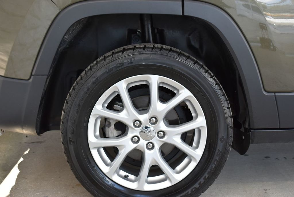 2016 Jeep Cherokee FWD 4dr Altitude - 18637824 - 8