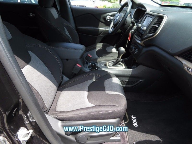 2016 Jeep Cherokee FWD 4dr Altitude - 16772225 - 14