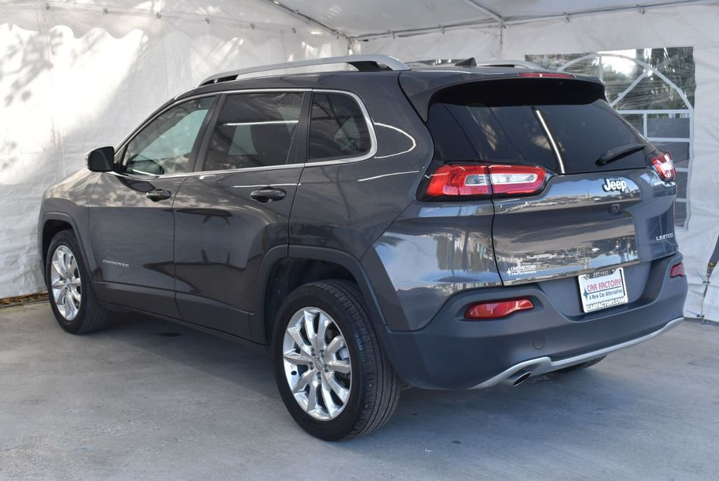 2016 Jeep Cherokee FWD 4dr High Altitude - 17103410 - 5