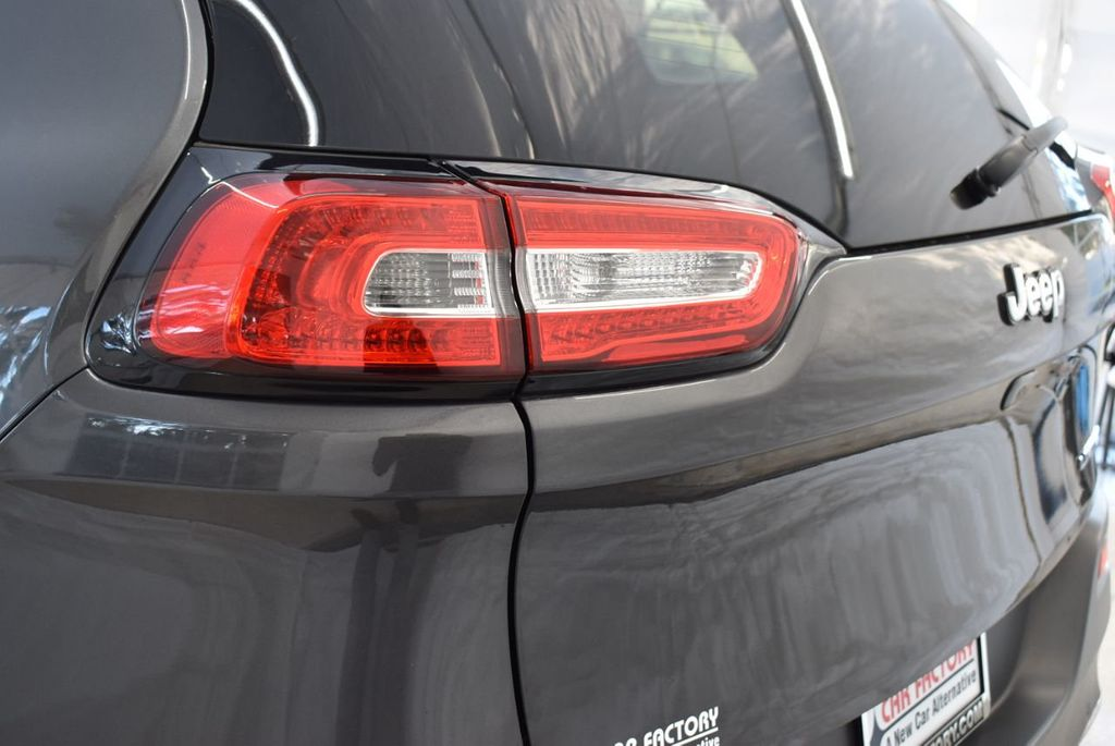 2016 Jeep Cherokee FWD 4dr High Altitude - 17103410 - 6