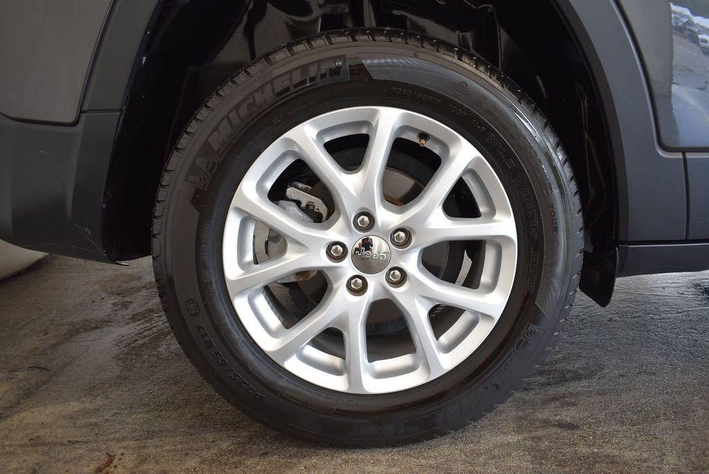 2016 Jeep Cherokee FWD 4dr Latitude - 17889208 - 8