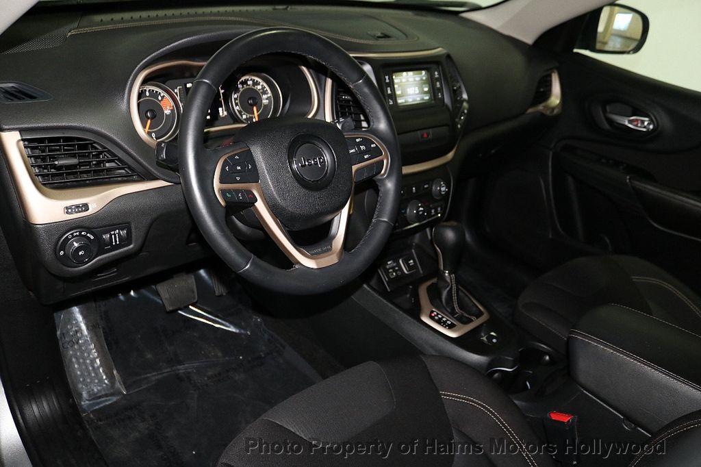 2016 Jeep Cherokee FWD 4dr Latitude - 18629847 - 17