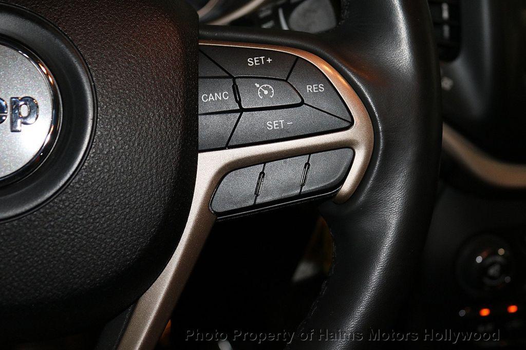 2016 Jeep Cherokee FWD 4dr Latitude - 18629847 - 23