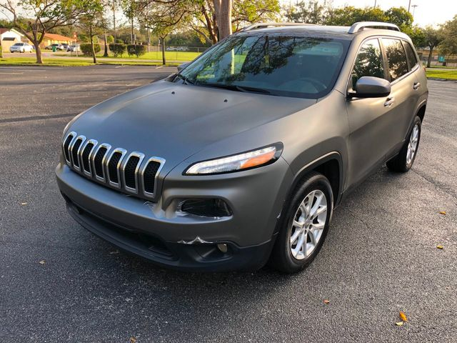 2016 Jeep Cherokee FWD 4dr Latitude - Click to see full-size photo viewer