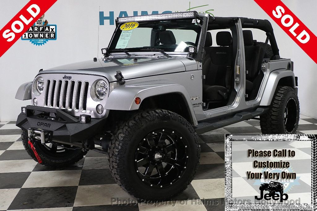 2016 Jeep Wrangler Unlimited 4WD 4dr Sahara - 17474880 - 0