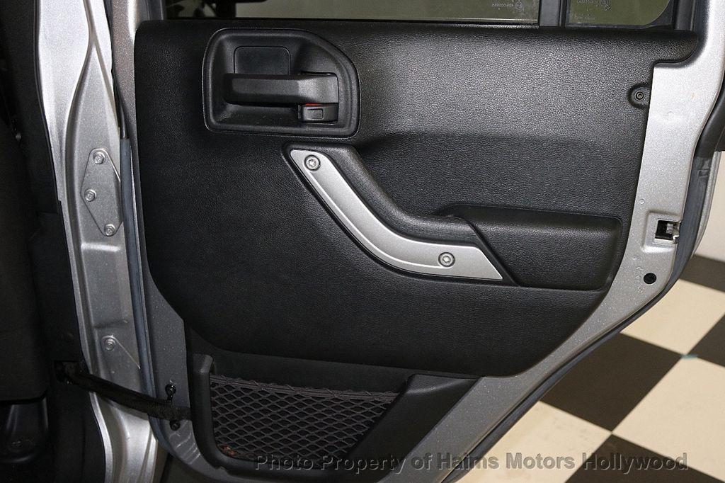 2016 Jeep Wrangler Unlimited 4WD 4dr Sahara - 17474880 - 23