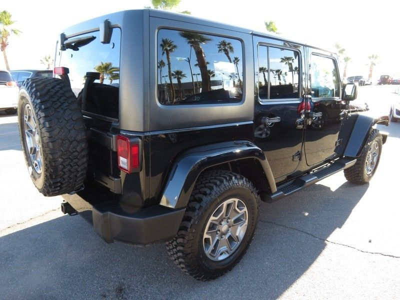 2016 Jeep Wrangler Unlimited 4WD 4dr Sahara - 17210098 - 11
