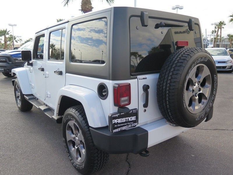 2016 Jeep Wrangler Unlimited 4WD 4dr Sahara - 17311388 - 9