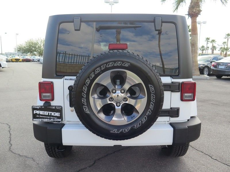 2016 Jeep Wrangler Unlimited 4WD 4dr Sahara - 17311388 - 10